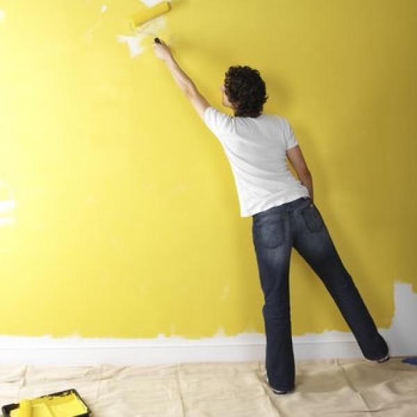 Нанесение суспензии на стену