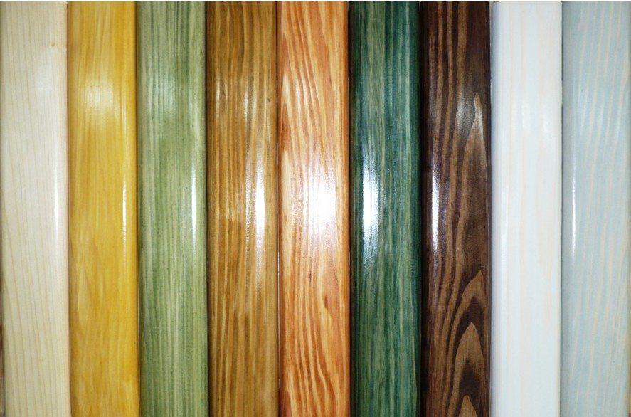 Некоторые виды красителей очень сильно напоминают лак, но при этом они принципиально отличаются от этого материала, хотя в их состав он может входить в небольших количествах