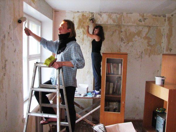 Необходимо произвести удаление старого покрытия