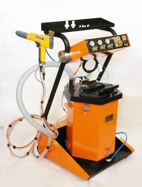 Несмотря на кажущуюся сложность, оборудование для порошковой окраски металла практически вытеснило на производстве и в бизнесе все другие виды окраски (модель Prоmaks CM-10, см. характеристики в тексте)