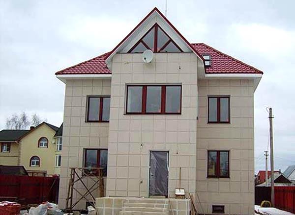 Облицовка дома из керамогранита.