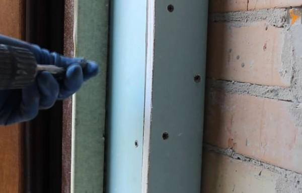 Облицовка плитами ГКЛ с помощью саморезов и металлического каркаса