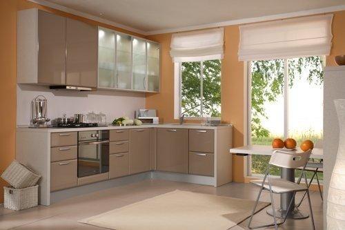 Обои цвета кофе с молоком в интерьере кухни смотрятся великолепно