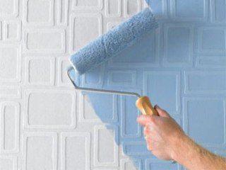 Образец нанесения светло голубой краски на стеклообои.
