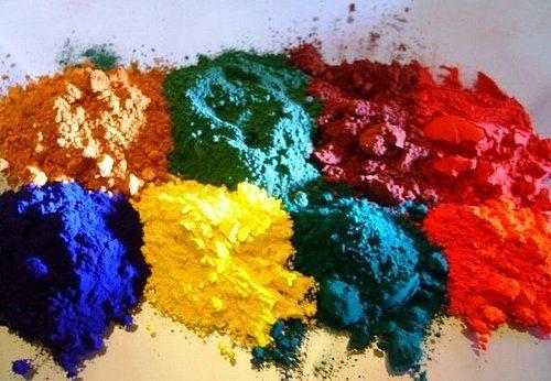 Образцы разных по цвету пигментов
