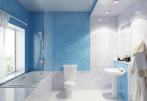 Обшитые пластиком стены ванной комнаты