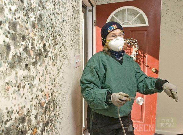 Обычно данные вещества не токсичны, но профессиональные мастера рекомендуют использовать индивидуальные средства защиты во время работ