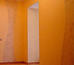 Однотонные жидкие обои – лучшие отделочные материалы для стен в прихожей