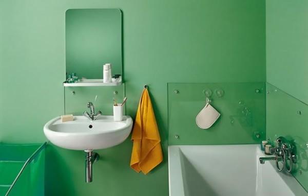 Окрашенная водоэмульсионным ЛКП ванная комната