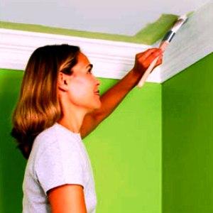 Окрашивание стен масляной краской.