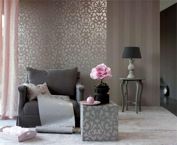 Оптимальное сочетание цвета, фактуры и орнамента обоев, применённых при отделке стен