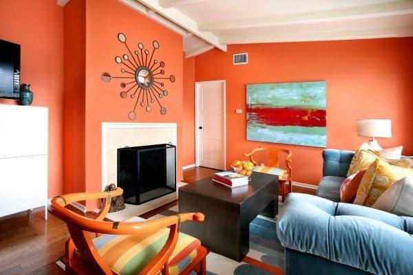 Оранжевый с черным при поддержке белого – одно из самых модных сочетаний