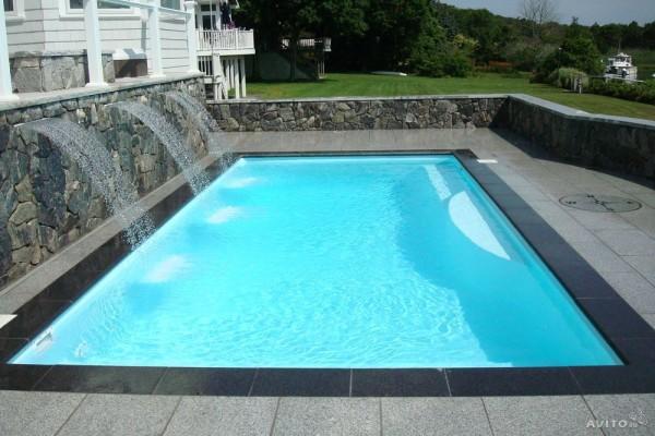 Отделка бассейна гранитом – долговечность конструкции обеспечена.