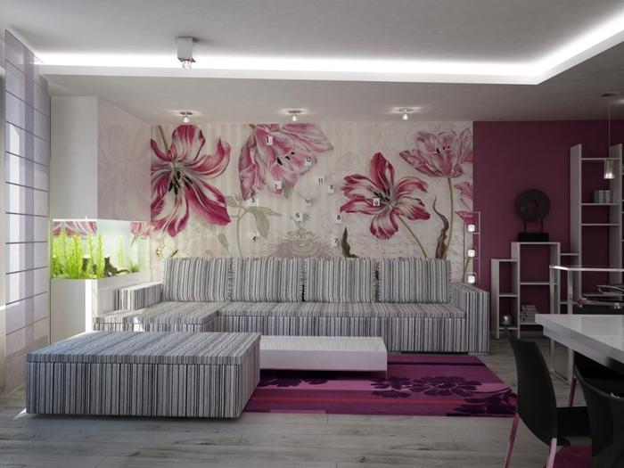 Отделка яркими обоями одного участка в комнате – отличное решение