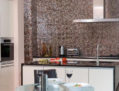 Отделку стеклотканью можно использовать на кухне.