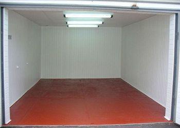 Панели ПВХ – простое, но очень привлекательное решение для гаража