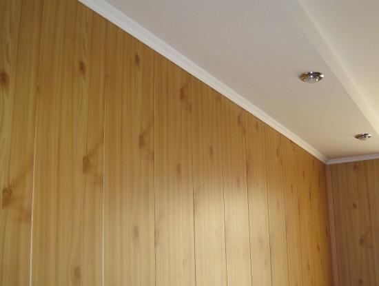 Пластиковая имитация натуральной древесины