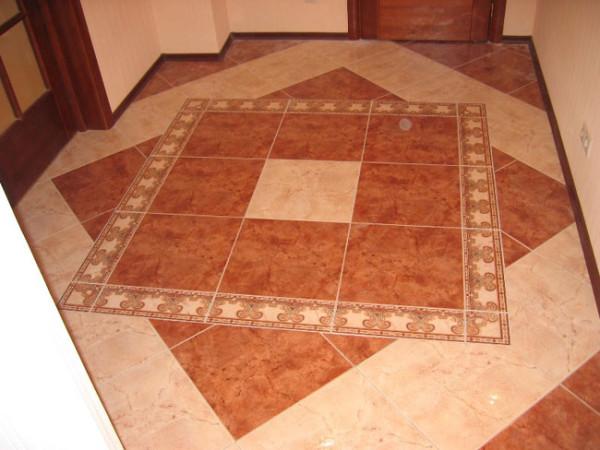 Плитка – наиболее рациональное покрытие для коридора.