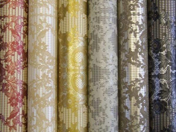 Плотные обои на текстильной основе.