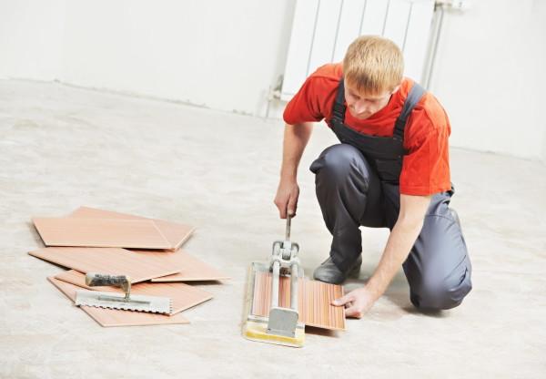 Подгонка плитки с использованием плиткореза