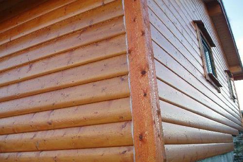 Покрытие не только защищает древесину, но и значительно улучшает ее внешний вид
