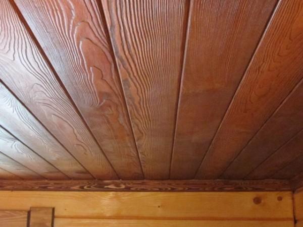 Покрытие позволяет подчеркнуть природную красоту древесины
