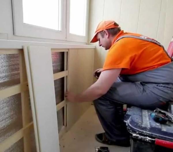 Поливинилхлорид – отличная защита для стен.
