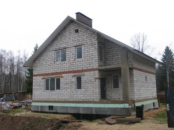 После строительства дом должен постоять некоторое время до отделки