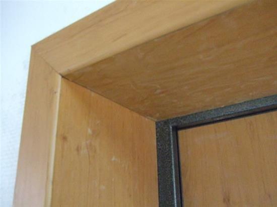Правильная отделка откосов входной двери МДФ панелями