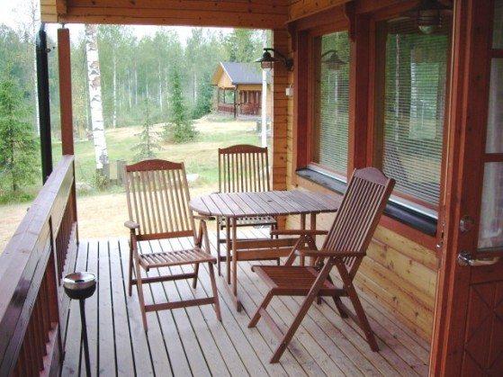 Прежде, чем покрасить деревянную веранду, следует правильно подобрать материалы.
