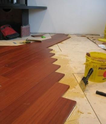 При чистовой отделке на поверхности монтируются финишные покрытия.