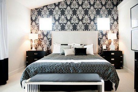 Пример оформления основной стены в спальне.