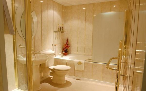 Пример отделки ванной комнаты пластиковыми панелями