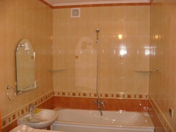 Профессионально выполненная отделка ванной комнаты