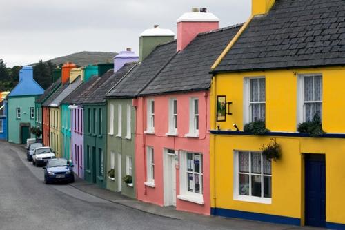 Разнообразие цветов позволяет создать яркий и уникальный вид здания.
