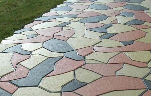 Разноцветная тротуарная плитка – красивая и привлекательная