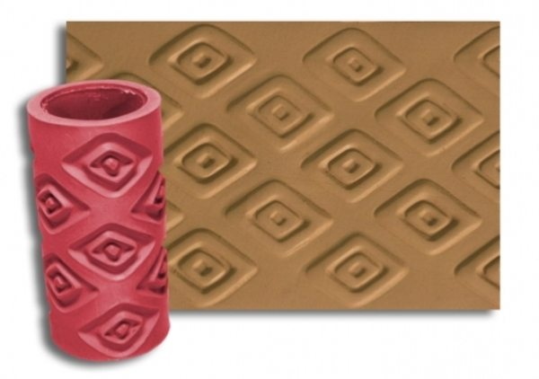 Резиновый валик, а точнее – насадка, очень хорош при создании фактурной поверхности