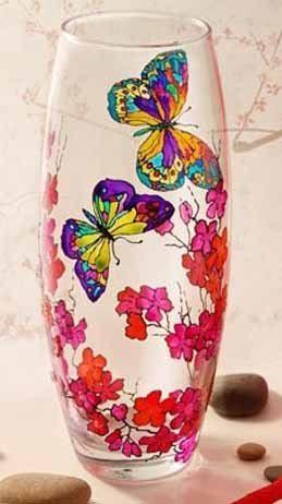 Роспись по стеклу витражными красками позволяет придать любой поверхности совершенно необыкновенный вид