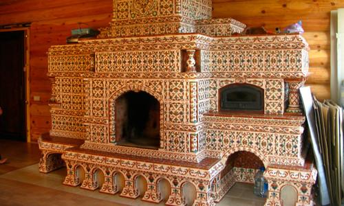Русская печь, отделанная керамической плиткой