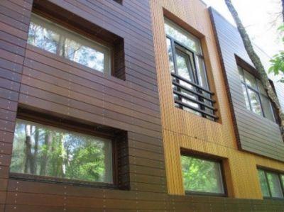 С помощью древесной отделки можно создать неповторимые фасадные конструкции