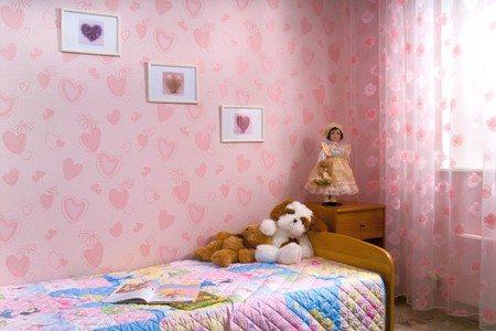 С точки зрения ряда дизайнеров, девочки-подростки живут в таких комнатах. На самом деле ситуация несколько иная…
