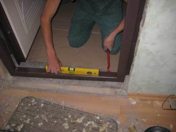 Самостоятельная отделка порога входной двери