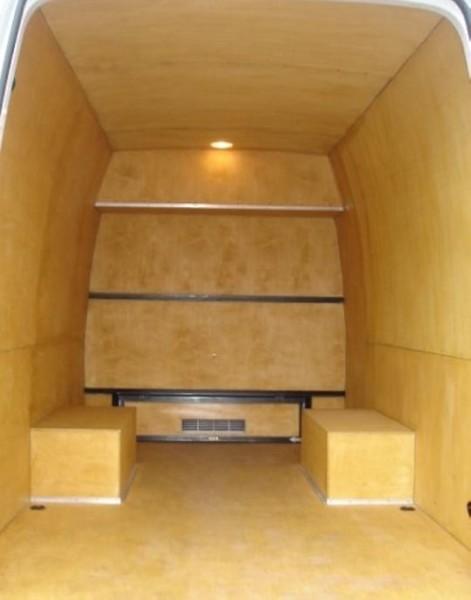 Самый простой способ отделки фургона – обшивка фанерой