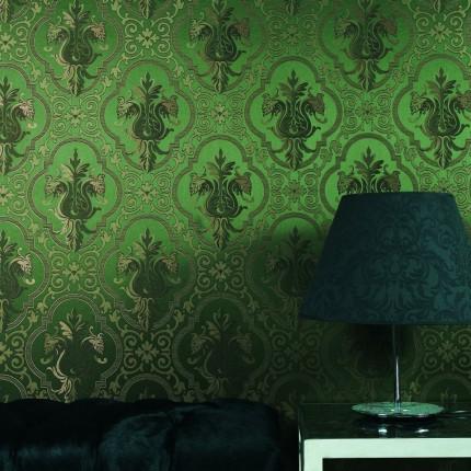 Шелковые полотна в гостиной