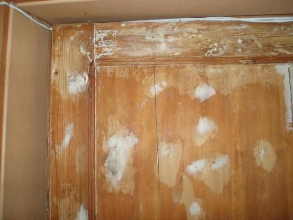 Шпаклёвка дефектов на дверях