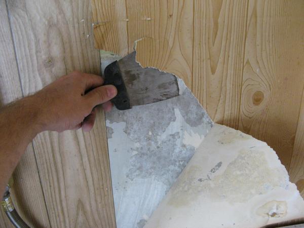 Шпателем работать гораздо удобнее, чем ножом