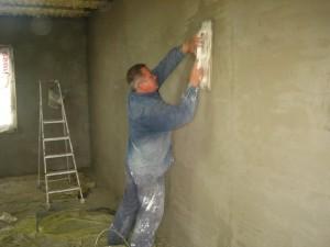 Штукатурка поверхностей – как правило, необходимый процесс черновых работ.