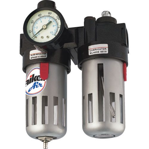 Система подготовки воздуха с фильтром-отстойником и выходным манометром.