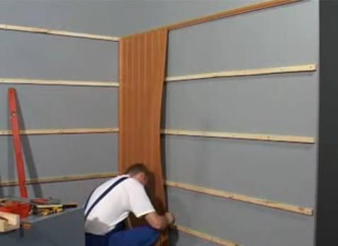 Собираем покрытие стены.