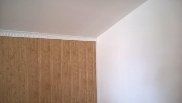 Сочетание панелей и ГКЛ в отделке одного помещения.